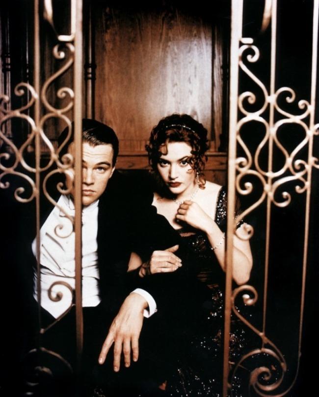 Titanic-Kate-Winslet-Leonardo-diCaprio-titanic-15307279-805-1000